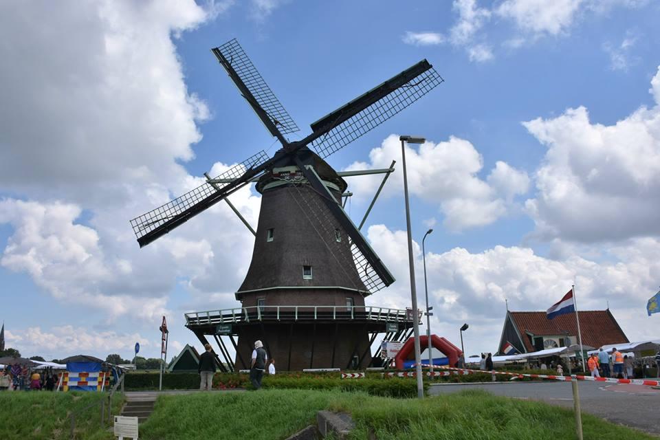Molen 'De Hoop' opent seizoen met Muzikale Tour door de molen