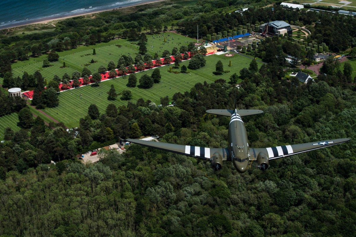 DC3 (ZA947) over Andijk naar Faßberg - #BBMF | #BerlinAirlift  #Luftbrücke  Normandie | American Cemetery and Memorial in Colleville-sur-Mer | DDAY75