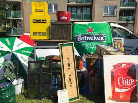 Op zondag 23 juni wordt de kofferbakmarkt in Hoorn gehouden, op een unieke locatie, rondom het Stadhuis in Hoorn zullen vele uitgeladen voertuigen hun 2e hands goederen verkopen op de parkeerplaatsen van het Stadhuis. Het aanbod is enorm en zeer divers: huisraad, kleding, multimedia, curiosa, antiek, 50-er jaren, verzamelingen etc.