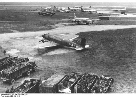DC3 (ZA947) over Andijk naar Faßberg - #BBMF | #BerlinAirlift  #Luftbrücke