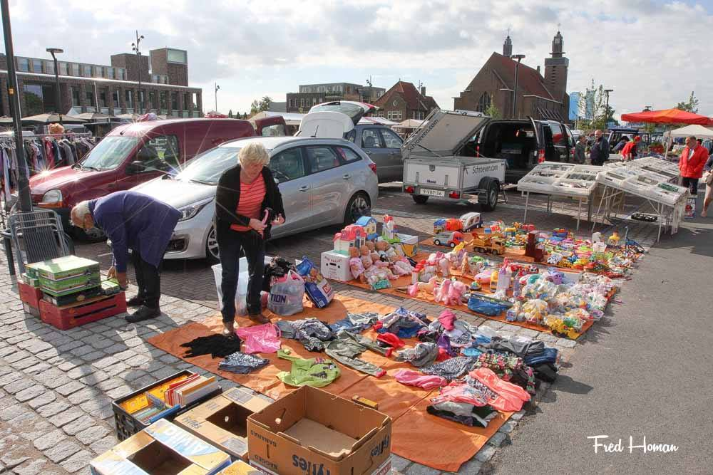 Kofferbakmarkt en Braderie in Hoogkarspel
