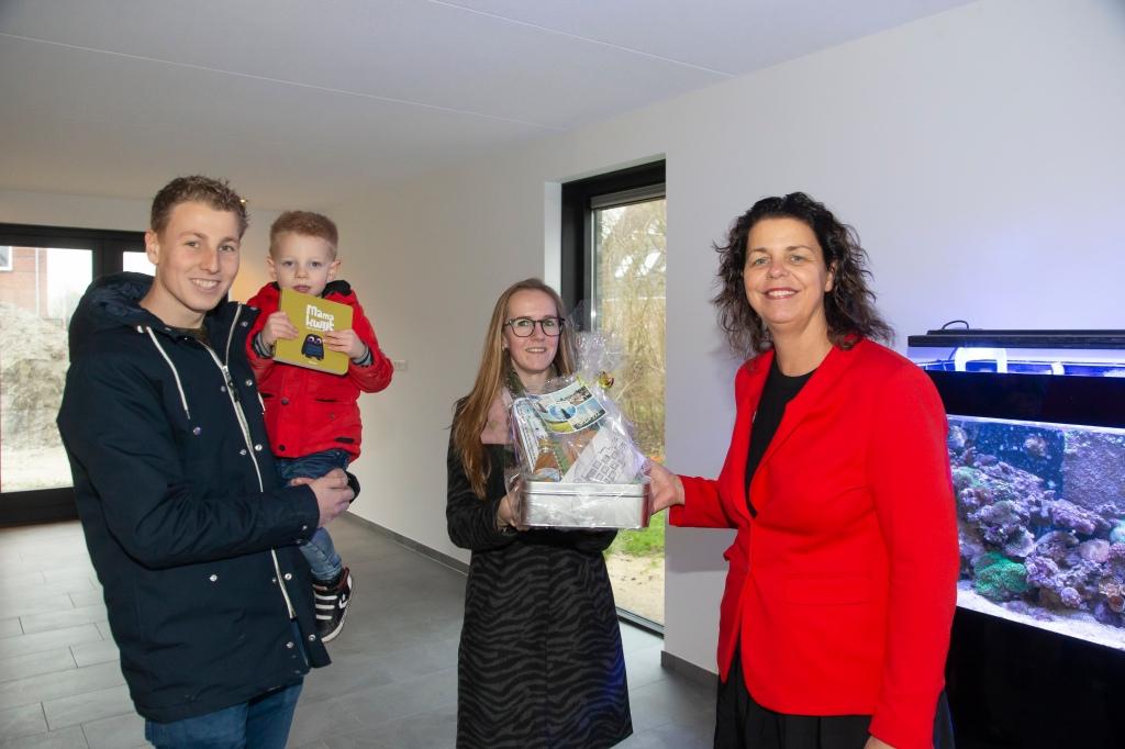Wethouder van Langen verwelkomt eerste bewoners SEW terrein