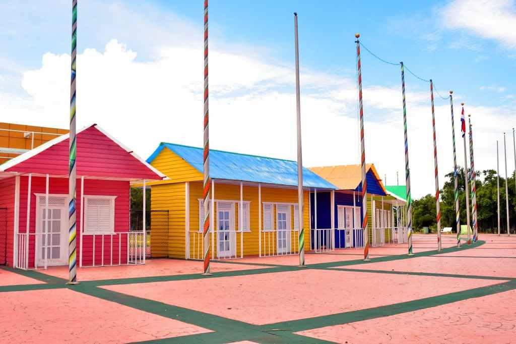 #Corona Noodverordening | Verduidelijking gebiedsverboden kampeerterreinen, slaap- en strandhuisjes en optredens in de buitenlucht