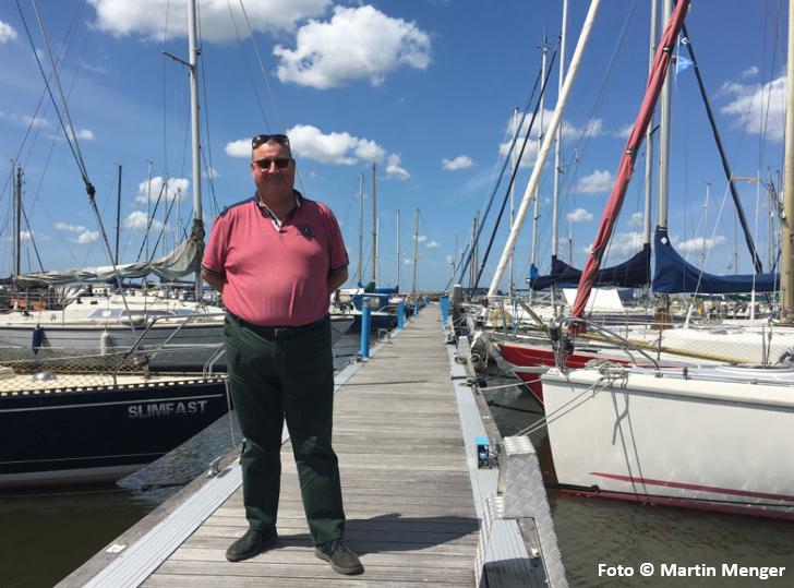 Jan Mol in de Jachthaven van Andijk
