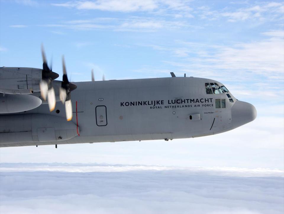 Vliegoefeningen met de Hercules C-130